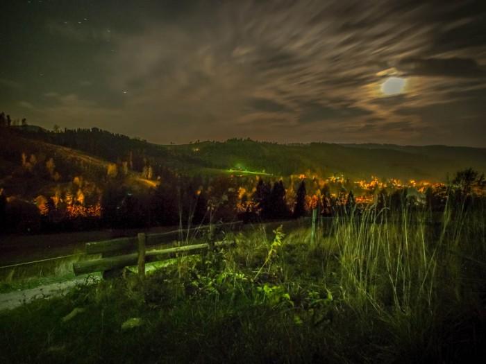 Wisła Malinka i Cieńków nocą widok z ławeczki