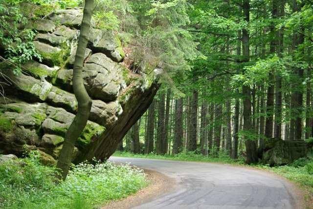 Droga Stu Zakrętów