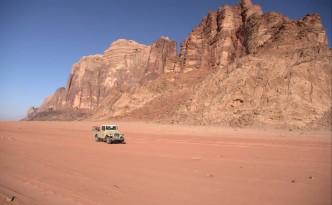 jeep-pustynia-Wadi-Rum