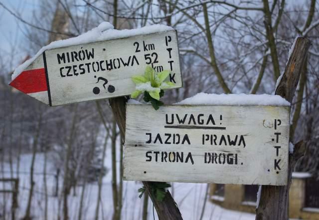 Czerony szlak do Mirowa