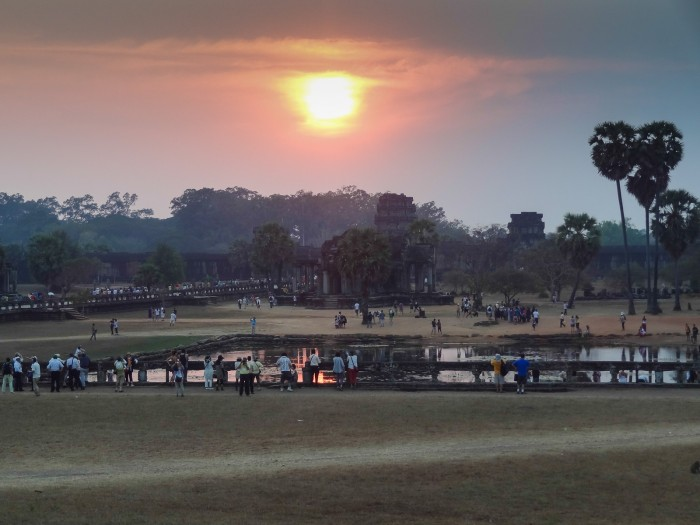 Angor Wat zachód słońca