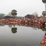 tłum turystów Angkor Wat