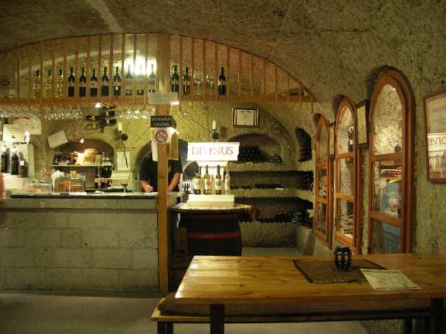Eger, piwnica z winem