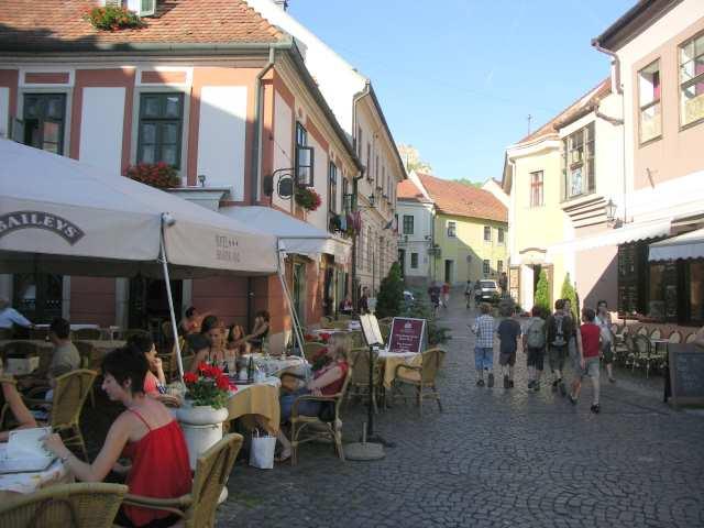 Eger, uliczki, kawiarnie