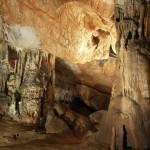 Jaskinia-Domica-stalaktyty