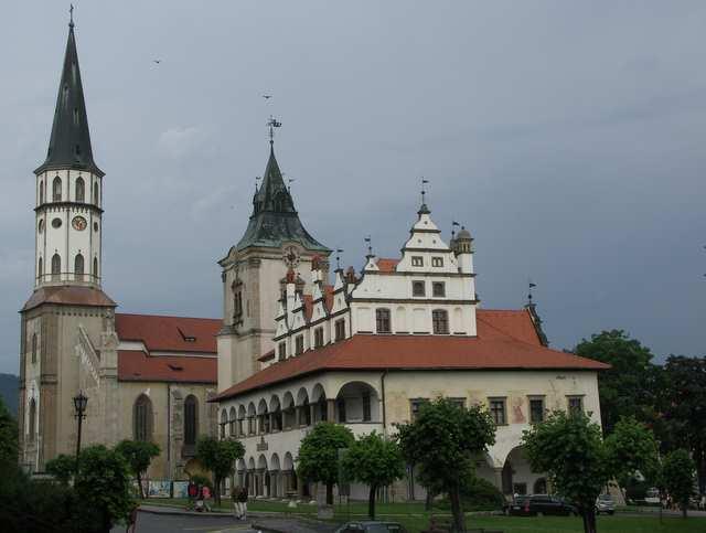 Lewocza, rynek, zabytkowy Ratusz i kościół św. Jakuba