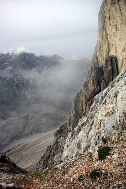 Zelnarica, w dole Dolina 7 Triglavskich Jezior