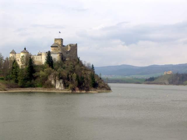 Zamek w Niedzicy i Czorszytynie