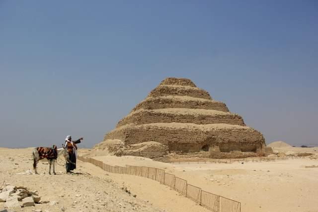 Piramida Dżesera, Sakkara