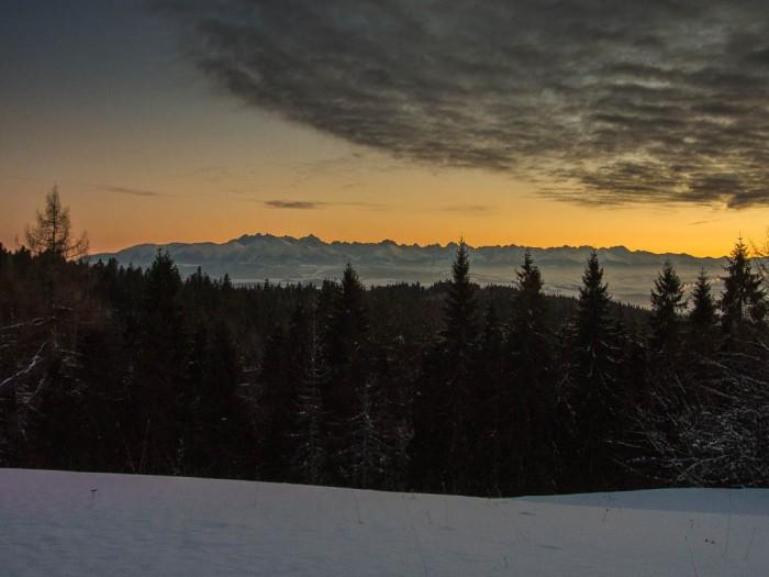 Panorama. Nad Tatry nadciągają ciężkie chmury