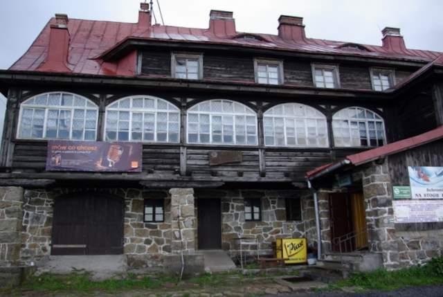 Stóg Izerski - schronisko PTTK