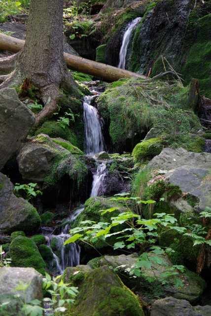 Góry Stołowe - wodospadzik,kaskada