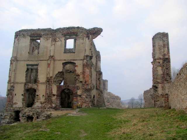 Bodzentyn ruiny zamku biskupów