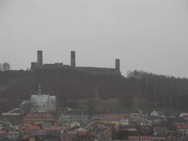 Chęciny widok na zamek
