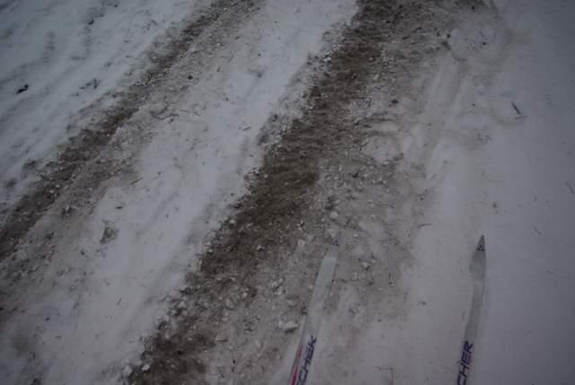 Quady niszczą trasy narciarskie