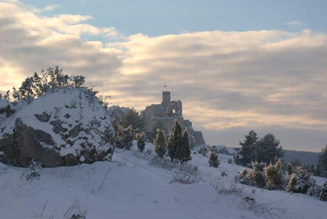 Mirów, zamek w zimowej szacie