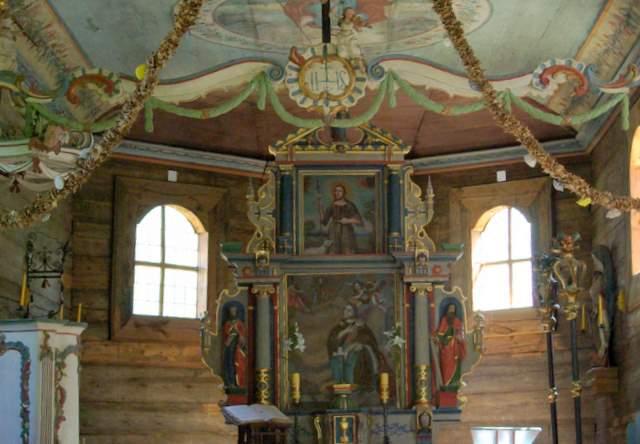Kościół Swornegacie, ołtarz