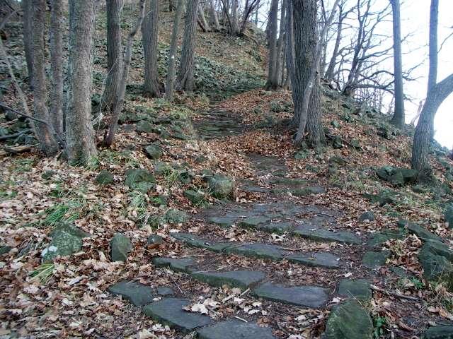 Ostrzyca -Bazaltowe schody