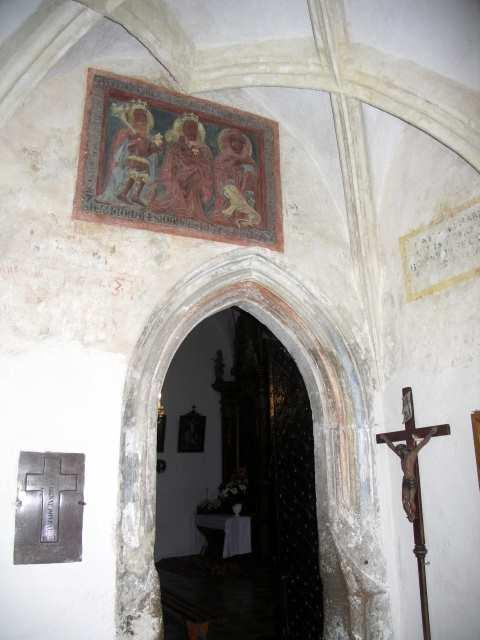 Chotel Czerwony - kościół
