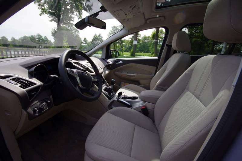 Ford C-Max wnętrze auta