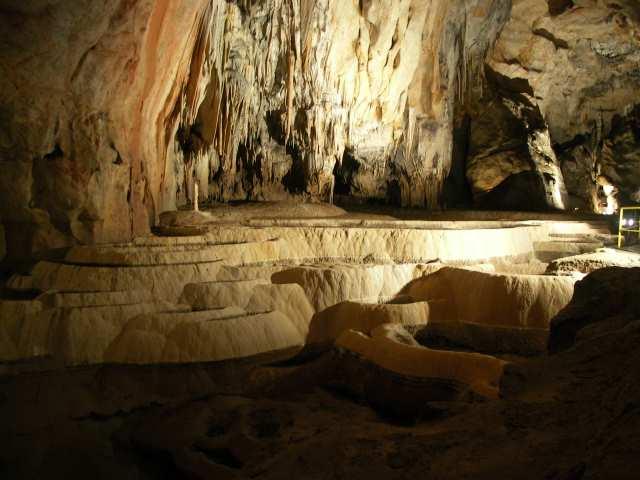 Jaskininia Domica, trawertyn, tarasy trawertynowe