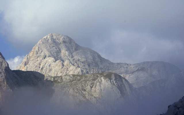 Triglav  z przełęczy Lazovski Preval