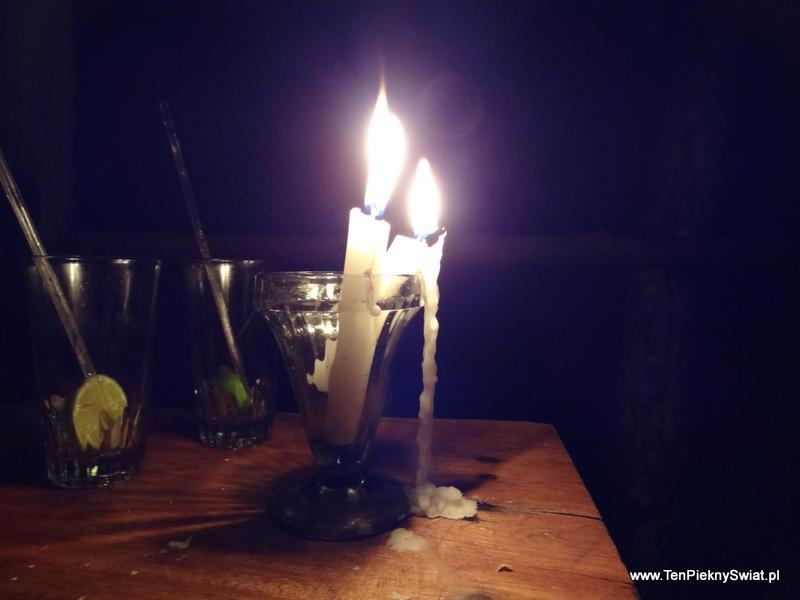 Noc nad Orinoko, płonąca świeca